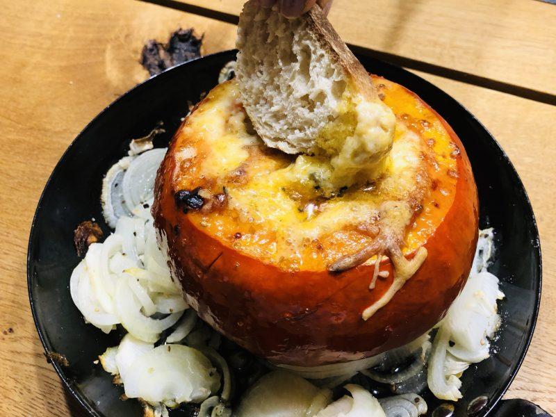Käsefondue aus dem Hokkaido Kürbis