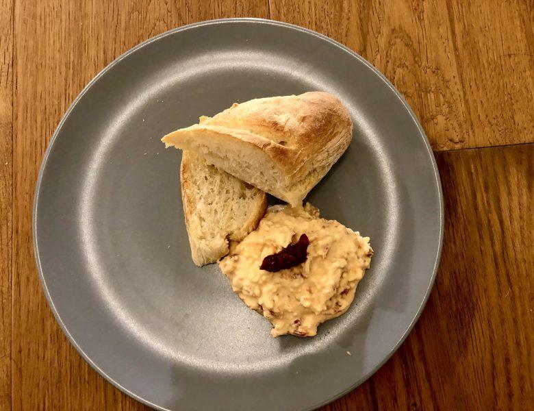 Käsedip – Käseaufstrich Rezept herzhaft und fein